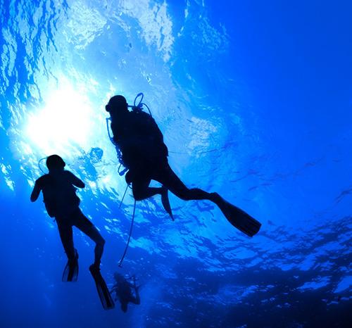 scuba-divers-oxygen-335pixels